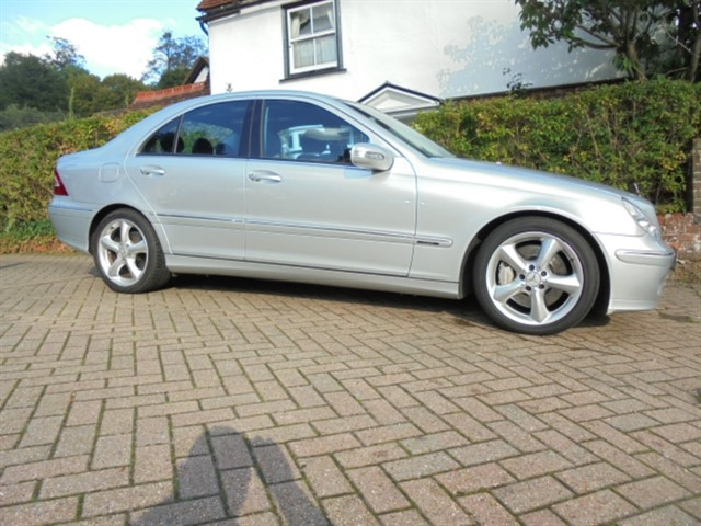 used Mercedes C180 C180K AVANTGARDE SE Leather 6 Mercedes-Benz services in surrey-sussex