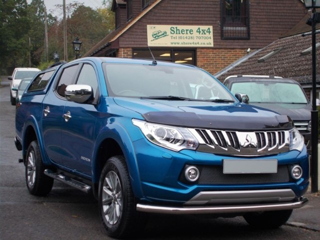 used Mitsubishi L200 2.4 DID Barbarian Auto Doublecab - WITH HARDTOP in surrey-sussex