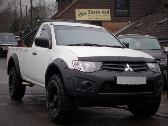 used Mitsubishi L200 2.5 DID 4LIFE Singlecab - NO VAT in surrey-sussex