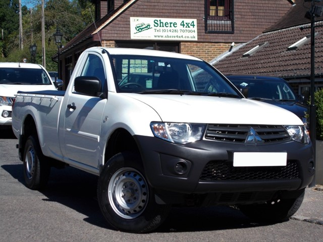 used Mitsubishi L200 2.5 DID 4Life Singlecab - NO VAT - 1 OWNER in surrey-sussex