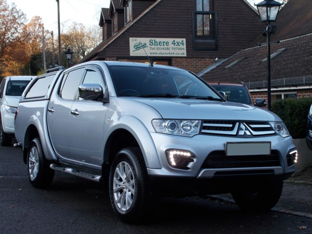 used Mitsubishi L200 2.5 DiD Barbarian Auto Doublecab - NO VAT - HARDTOP in surrey-sussex