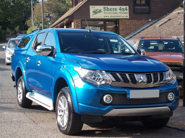 used Mitsubishi L200 2.4 DID Barbarian Doublecab - NO VAT - WITH HARDTOP in surrey-sussex