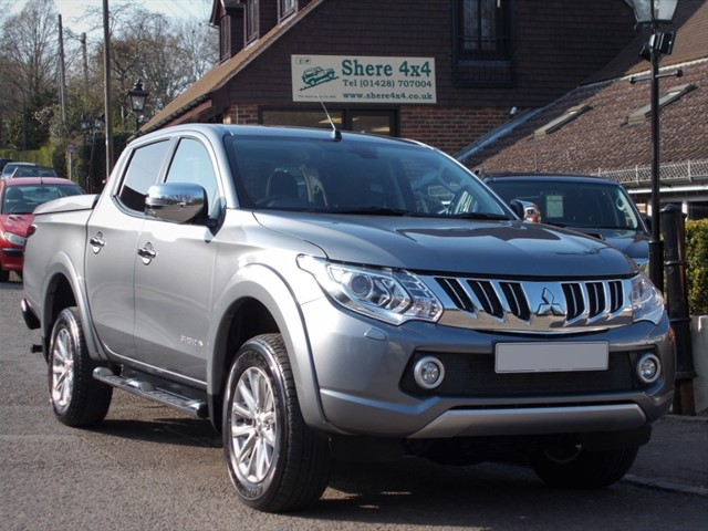 used Mitsubishi L200 2.4 DID Barbarian Doublecab Auto - 1 Owner in surrey-sussex