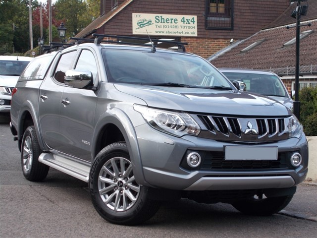 used Mitsubishi L200 2.4 DID Warrior Doublecab - WITH HARDTOP in surrey-sussex