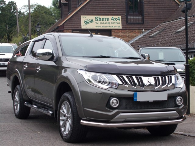 used Mitsubishi L200 2.4 DID Barbarian Doublecab - 25k MILES ONLY in surrey-sussex