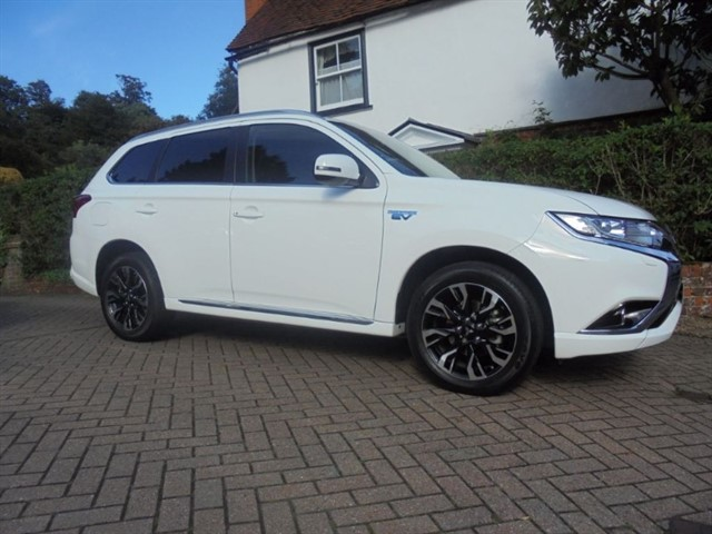 used Mitsubishi Outlander PHEV JURO COMMERCIAL 4000 MILES in surrey-sussex
