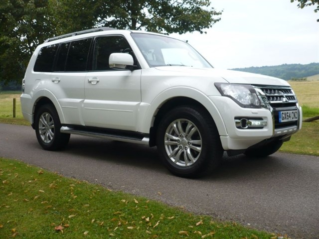 used Mitsubishi Shogun DI-DC SG3 2015 Model Sat/nav, R Camera  in surrey-sussex