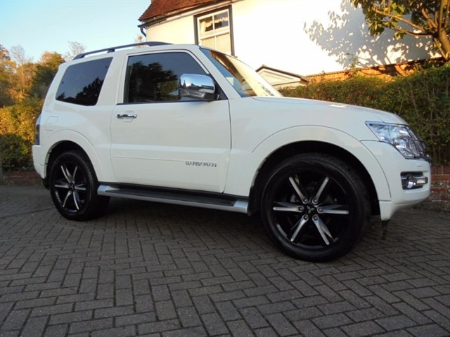 used Mitsubishi Shogun DI-D BARBARIAN SAT/NAV FMSH in surrey-sussex