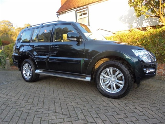 used Mitsubishi Shogun DI-D SG2 ONLY 4000 MILES in surrey-sussex