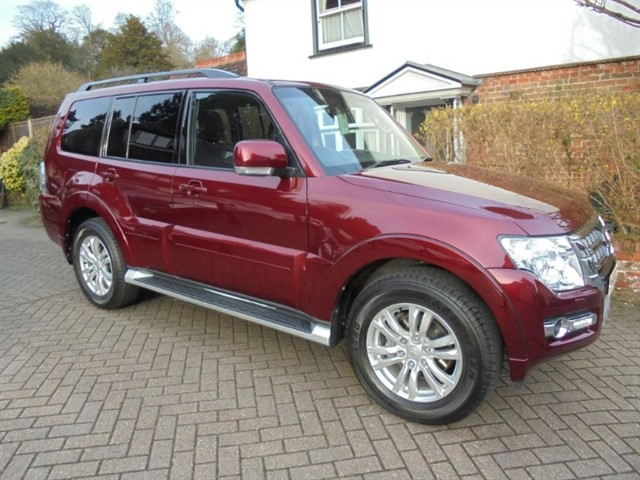 used Mitsubishi Shogun DI-D SG3 Low Mileage-Sat Nav-Leather in surrey-sussex