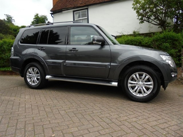 used Mitsubishi Shogun DI-D SG4 SAT/NAV 7 SEATS+++ in surrey-sussex