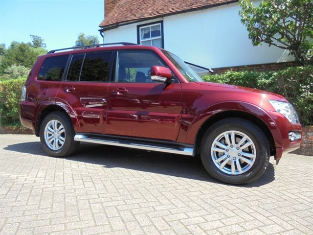 used Mitsubishi Shogun DI-D SG3 Sat/nav 7 seats 14000 MLS FMSH in surrey-sussex