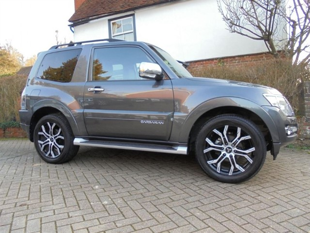 used Mitsubishi Shogun DI-DC BARBARIAN SAT/NAV LEATHER    in surrey-sussex