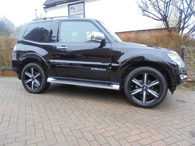 used Mitsubishi Shogun DI-D BARBARIAN SAT/NAV FSH in surrey-sussex