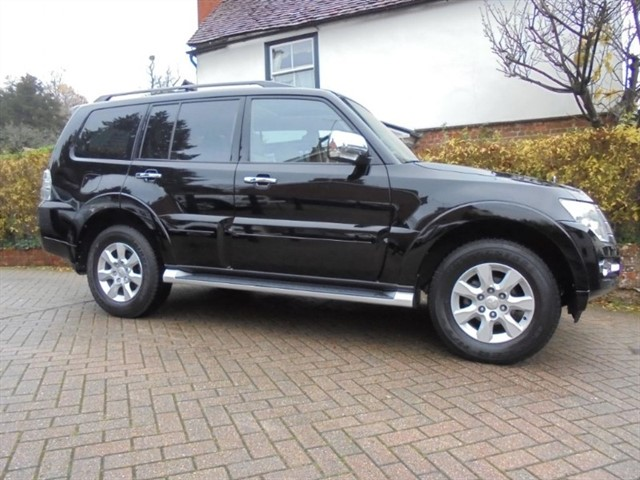 used Mitsubishi Shogun GLS LWB 3.5 LHD Leather 7 seats  in surrey-sussex