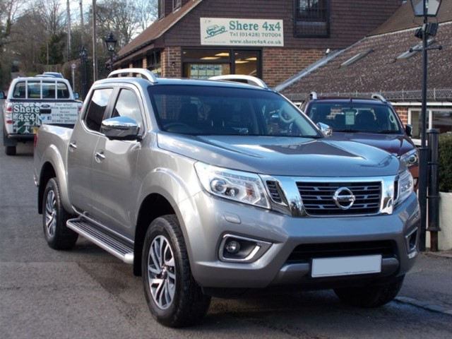 used Nissan Navara NP300 2.3DCi Tekna Doublecab - 9000 MILES ONLY in surrey-sussex