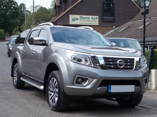 used Nissan Navara NP300 2.3 DCi Tekna Doublecab Automatic - WITH HARDTOP in surrey-sussex