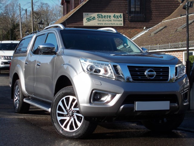 used Nissan Navara NP300 2.3 DCi Tekna Doublecab - NO VAT - HARDTOP in surrey-sussex