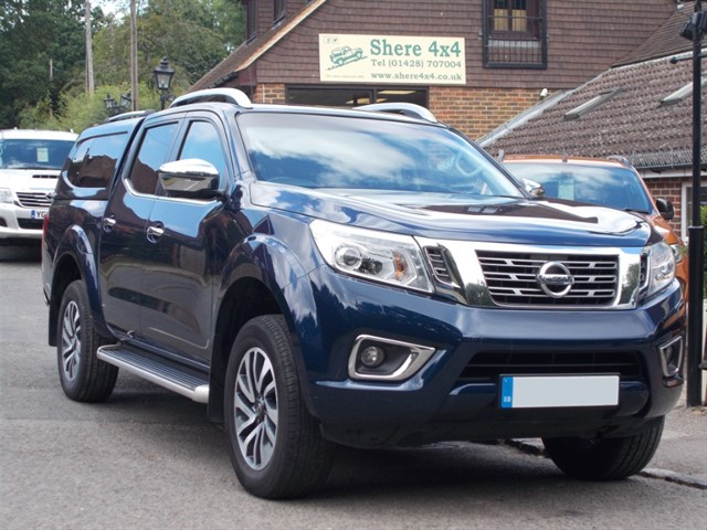 used Nissan Navara NP300 2.3 DCi Tekna Doublecab Auto - WITH HARDTOP in surrey-sussex