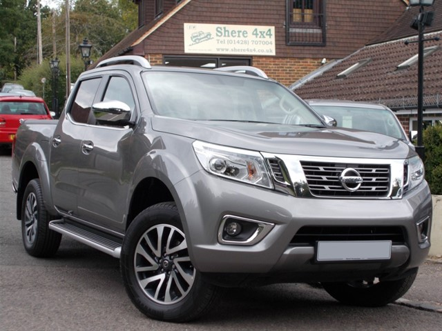 used Nissan Navara NP300 2.3 DCi Tekna Automatic - ONLY 2000 MILES FROM NEW in surrey-sussex
