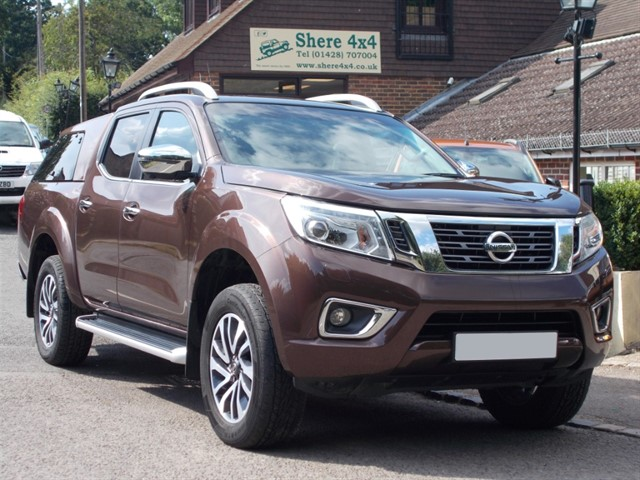 used Nissan Navara NP300 2.3 DCi Tekna Doublecab - WITH HARDTOP in surrey-sussex
