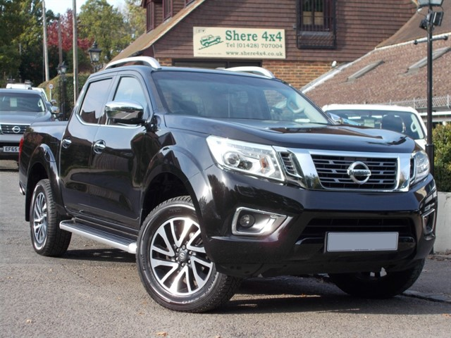 used Nissan Navara 2.3DCi Tekna Automatic Doublecab - ROLLER SHUTTER in surrey-sussex