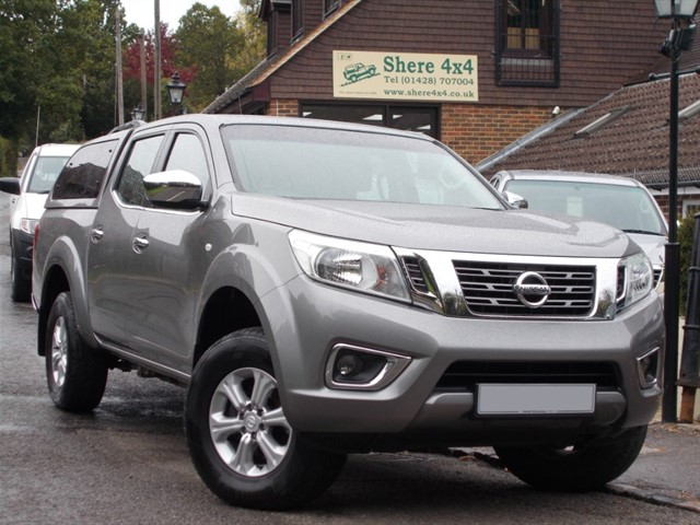 used Nissan Navara NP300 2.3 DCi Acenta Doublecab - WITH HARDTOP in surrey-sussex