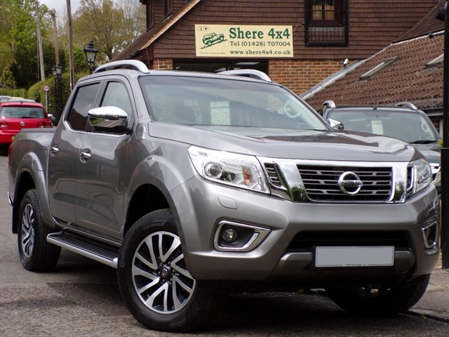 used Nissan Navara 2.3 DCi Tekna Automatic Doublecab - NO VAT TO PAY in surrey-sussex