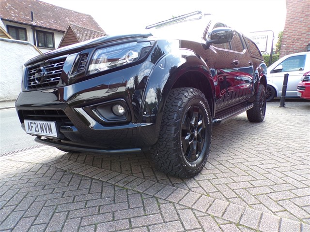 used Nissan Navara DCI N-GUARD AUTO WITH CANOPY TOP- NO VAT TO PAY-DELIVERY MILES in surrey-sussex