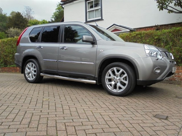 used Nissan X-Trail PLATINUM DCI SAT/NAV ONLY 20000 MILES in surrey-sussex