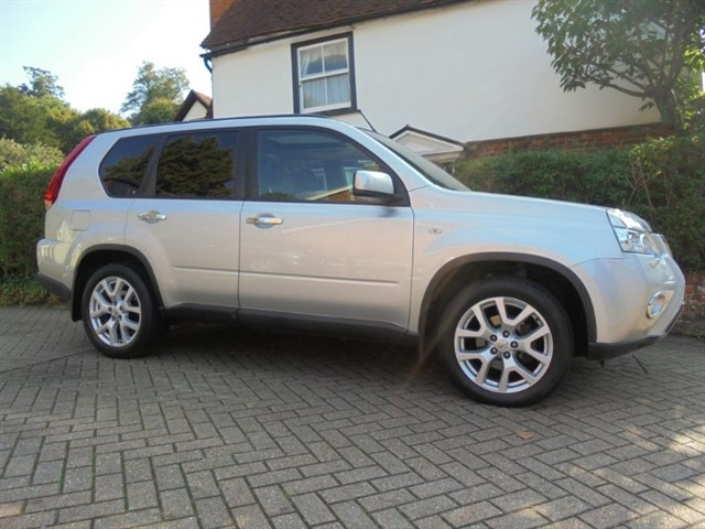 used Nissan X-Trail TEKNA DCI Sat/nav-Park camera  24000 MLS in surrey-sussex
