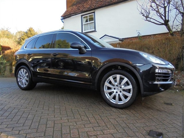 "used Porsche Cayenne D V6 TIPTRONIC S Sat/nav-Bose-Power tailgate-20""alloys-FPSH in surrey-sussex"
