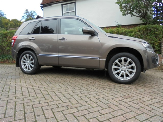 used Suzuki Grand Vitara SZ5 Auto Sat/nav-sunroof-leather in surrey-sussex