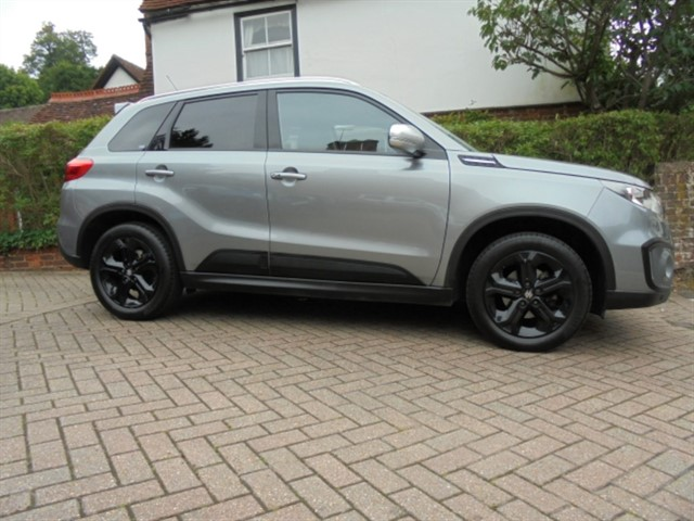 used Suzuki Vitara S BOOSTERJET ALLGRIP 4X4 SAT/NAV FSSH in surrey-sussex