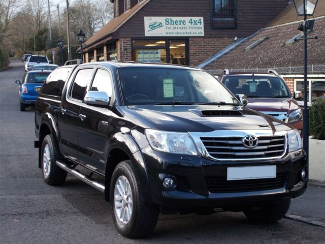 used Toyota Hilux 3.0 D4D Invincible Doublecab - MANUAL - TRUCKMAN HARDTOP in surrey-sussex