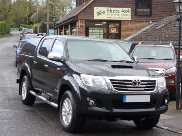 used Toyota Hilux 3.0 D4D Invincible Doublecab - WITH TRUCKMAN HARDTOP in surrey-sussex