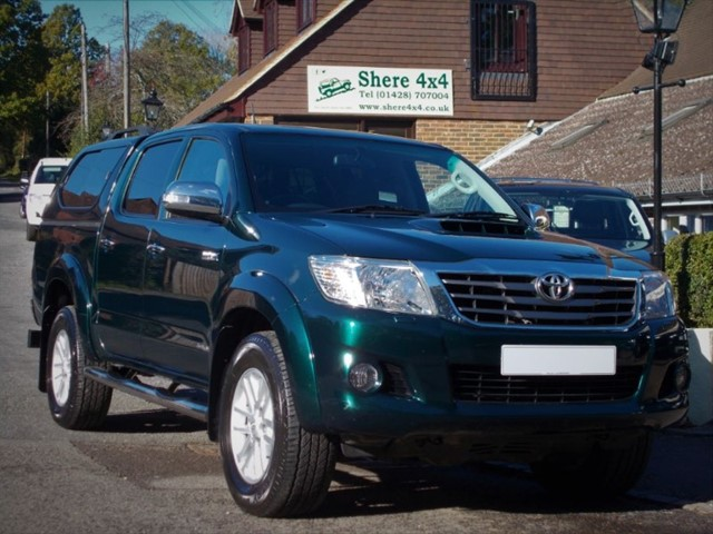 used Toyota Hilux 3.0 D4D Invincible Auto Doublecab - HARDTOP - NO VAT TO PAY in surrey-sussex