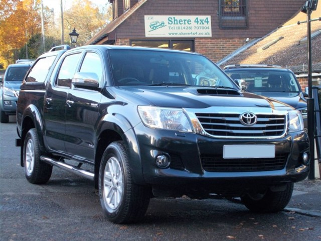 used Toyota Hilux 3.0D4D Invincible Doublecab - WITH HARDTOP in surrey-sussex