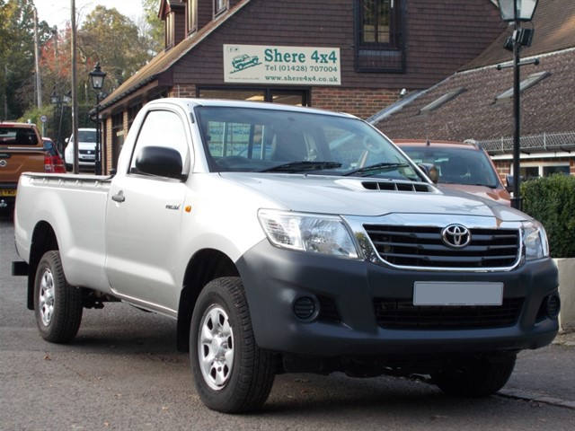 used Toyota Hilux 2.5 D4D HL2 Singlecab 4x4 - NO VAT TO PAY in surrey-sussex