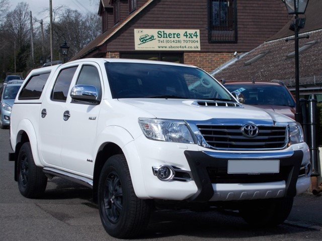used Toyota Hilux 3.0 D4D Invincible X Doublecab - WITH HARDTOP in surrey-sussex