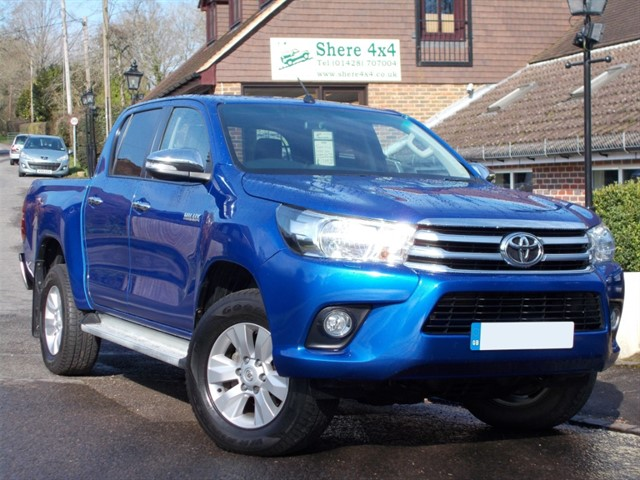 used Toyota Hilux 2.4 D4D Icon Doublecab - ONE OWNER in surrey-sussex