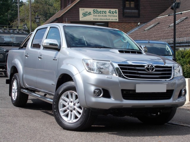 used Toyota Hilux 3.0D4D Invincible Automatic Doublecab - ONE OWNER in surrey-sussex