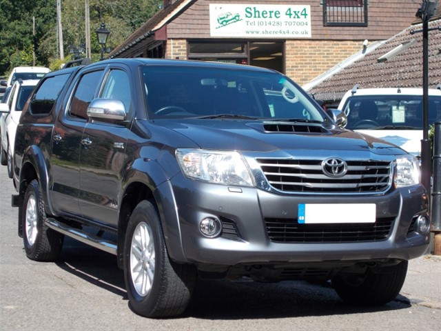used Toyota Hilux 3.0D4D Invincible Doublecab - TRUCKMAN HARDTOP in surrey-sussex