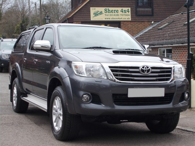 used Toyota Hilux 2.5 D4D Icon Doublecab - WITH HARDTOP in surrey-sussex