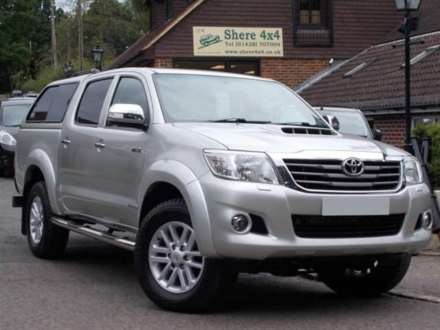 used Toyota Hilux 3.0 D4D Invincible Doublacab - NO VAT - WITH HARDTOP in surrey-sussex