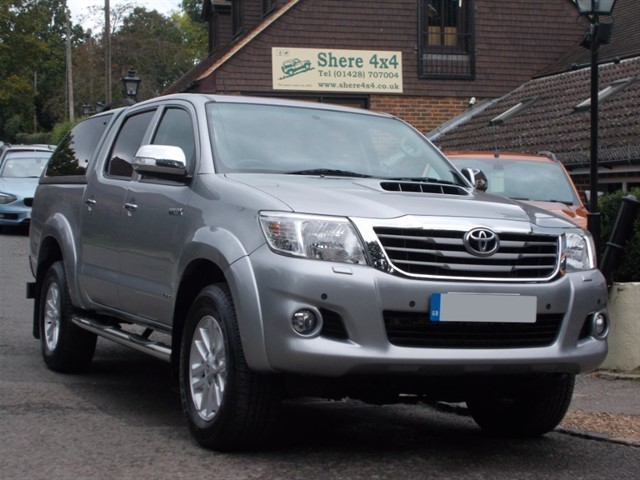 used Toyota Hilux 3.0 D4D Invincible Doublecab - NO VAT TO PAY in surrey-sussex