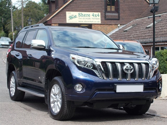 used Toyota Land Cruiser 3.0 D4D Auto Icon - ONE OWNER - 27k MILES ONLY in surrey-sussex