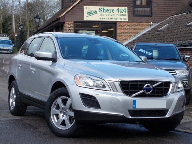used Volvo XC60 2.0 D3 SE LUX Auto - 43000 MILES ONLY in surrey-sussex