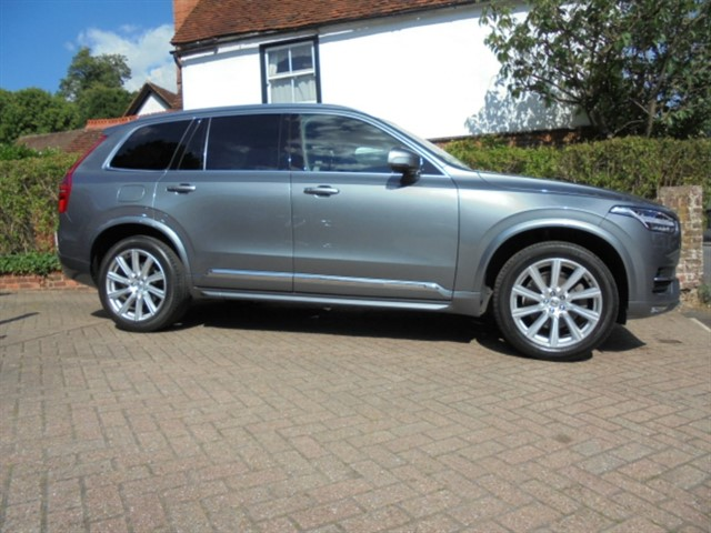 used Volvo XC90 D5 INSCRIPTION AWD SAT/NAV 360 CAMERA 7 SEATS FVSH in surrey-sussex