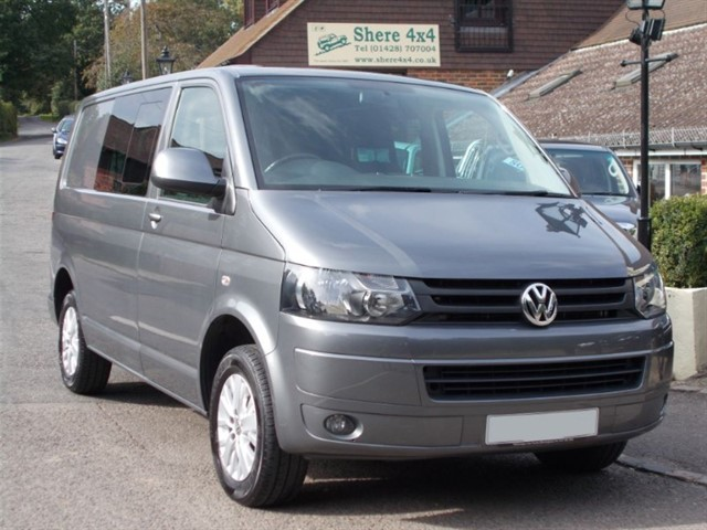 used VW Transporter 2.0 TDi T30 140 KOMBI Highline - 34k Miles  in surrey-sussex